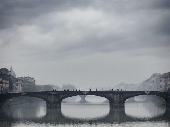 arno-river-bridge_63727_990x742