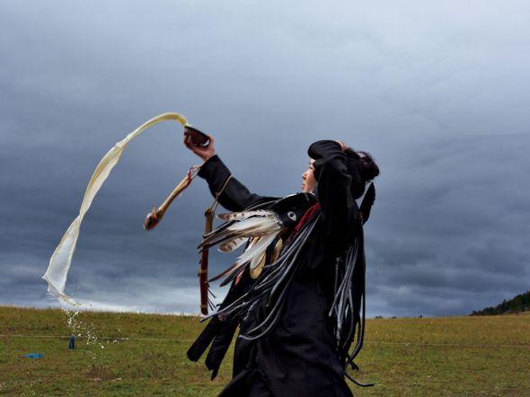 shaman-mongolia-drake_65153_990x742