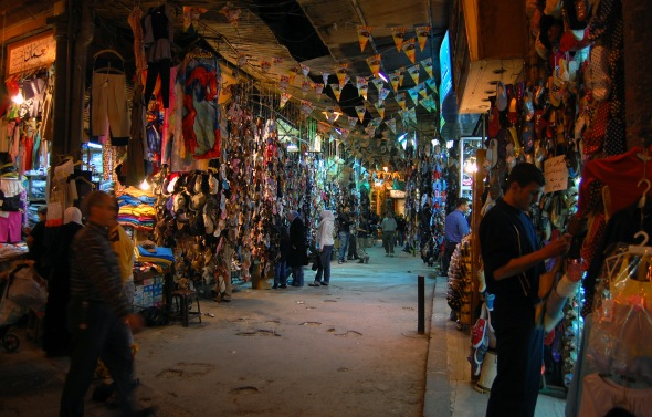Ancient_covered_souq,_Aleppo,_Syria2