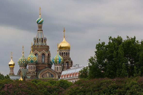 1280px-St.Petersburg_Russia_Church_Park-2