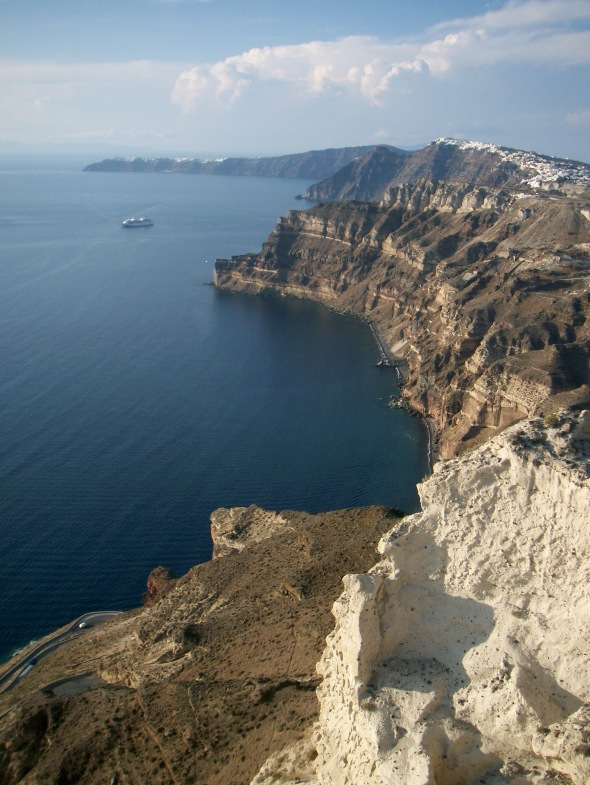 Cliffs_of_Santorini